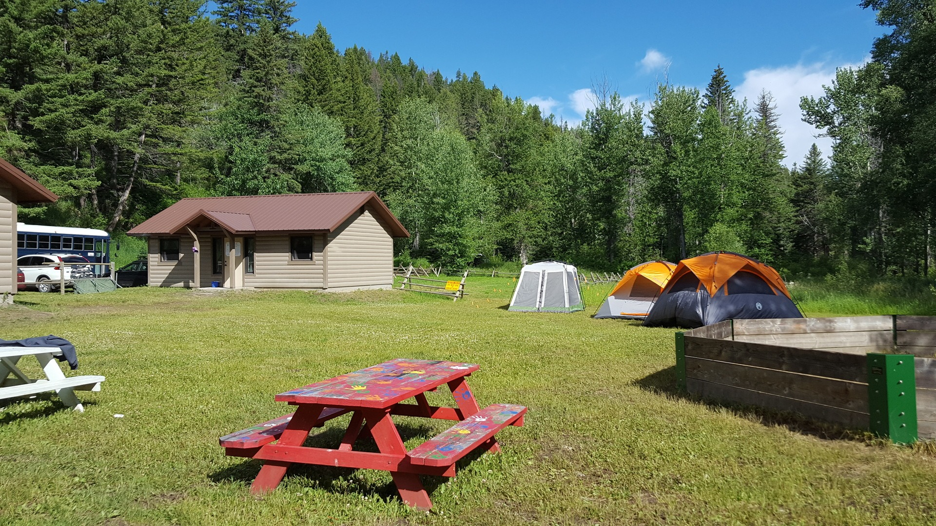 22 - Cabins,Tents and Picnic Tables